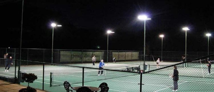 nhiet-do-mau-cho-san-tennis